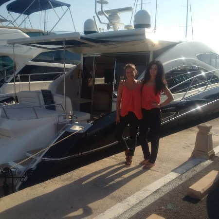 The Sunseeker Predator 52 'ANISA' is located on Quay number 3 in front of Restaurant Diablito in Puerto Portals
