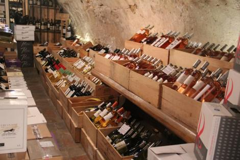 La Cave de Mougins is the oldest wine cellar of Mougins and the only one located in the village