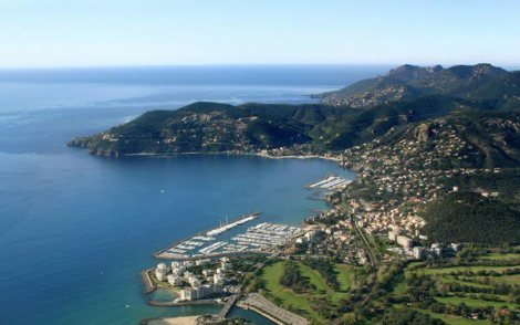 Works will start in Port La Napoule, the home of Sunseeker in the South of France, in February 2016 and will be completed by December 2016