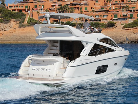 Sunseeker Mallorca invites visitors to come and enjoy the sunshine of Puerto Portals and view the fabulous Manhattan 53 'BEST OF ME'