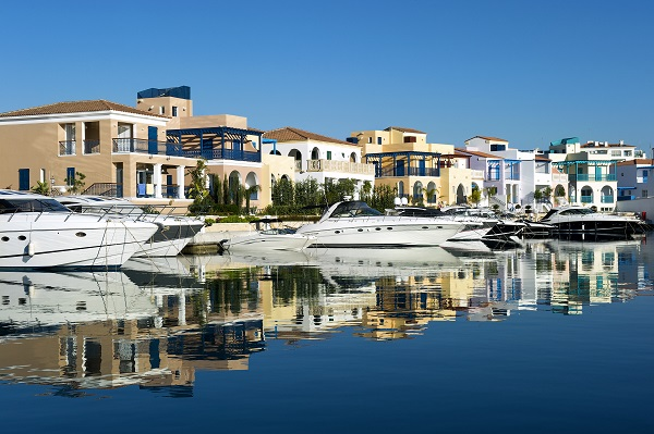 Sunseeker Cyprus recommends the Peninsula Villas in Limassol Marina, Cyprus