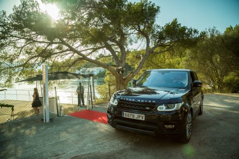 Jaguar Land Rover drove guests to the evenings event