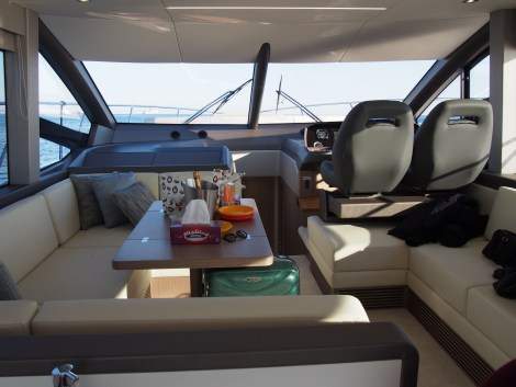 The Manhattan 52 unique layout allows for maximum space, offering a generous saloon