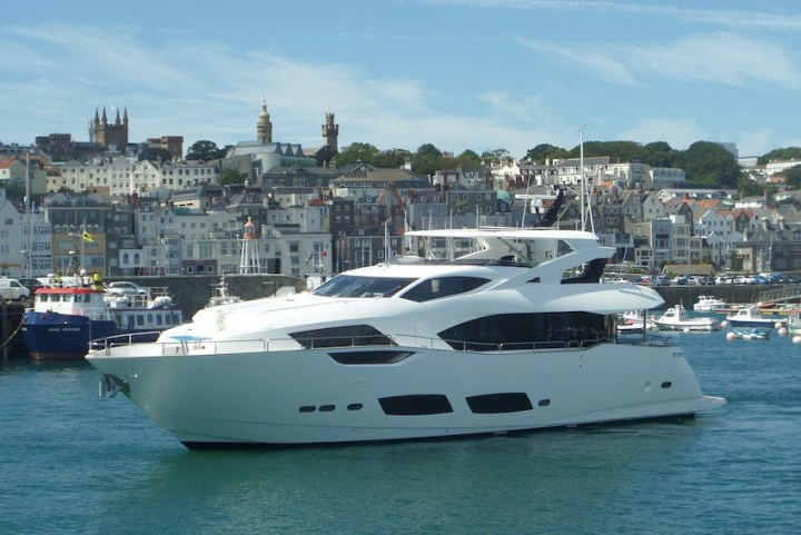 HANDOVER: Another happy Sunseeker owner! William Burns of Sunseeker London is proud to announce the handover of the 95 Yacht 'MR.K'