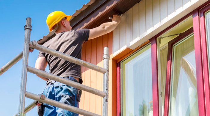 why you should rent scaffolding to paint your house