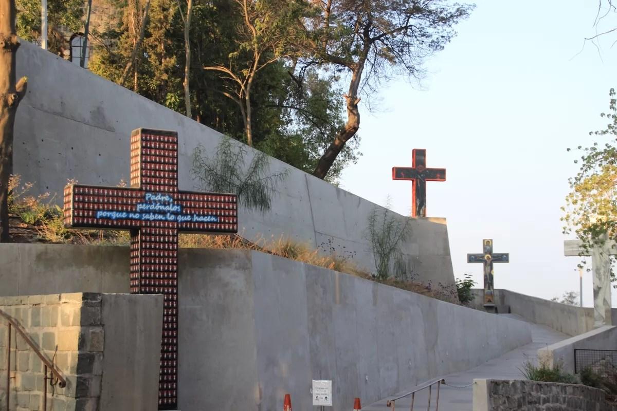 ch_santiago_crosses_sm