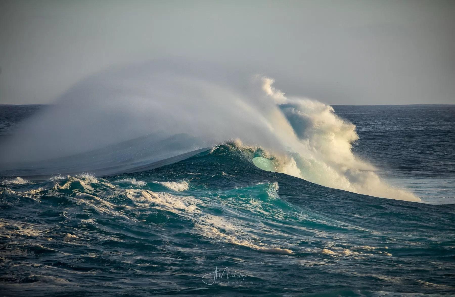 Massive ocean wave