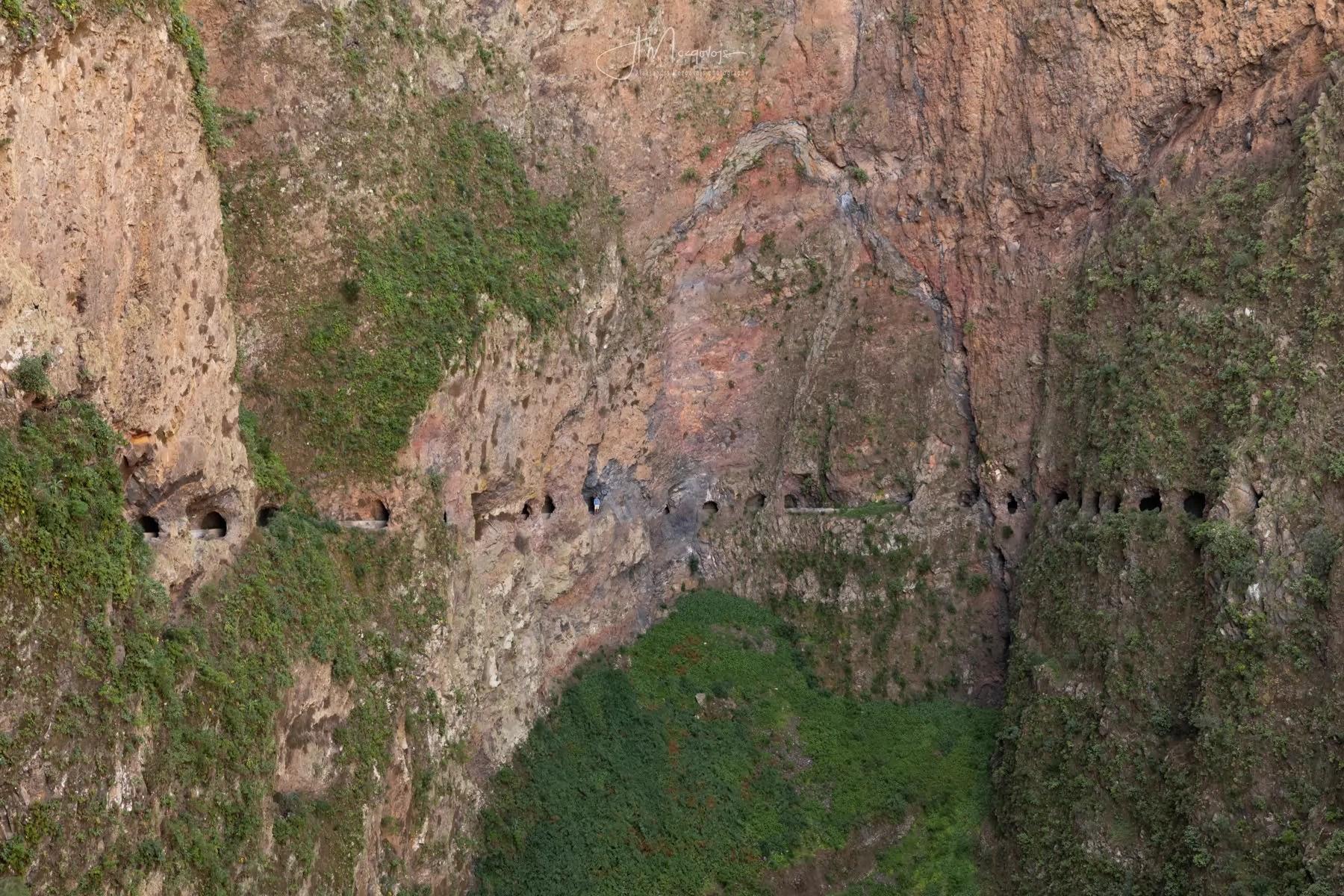 Отвесные скалы Вентанас де Гуимар