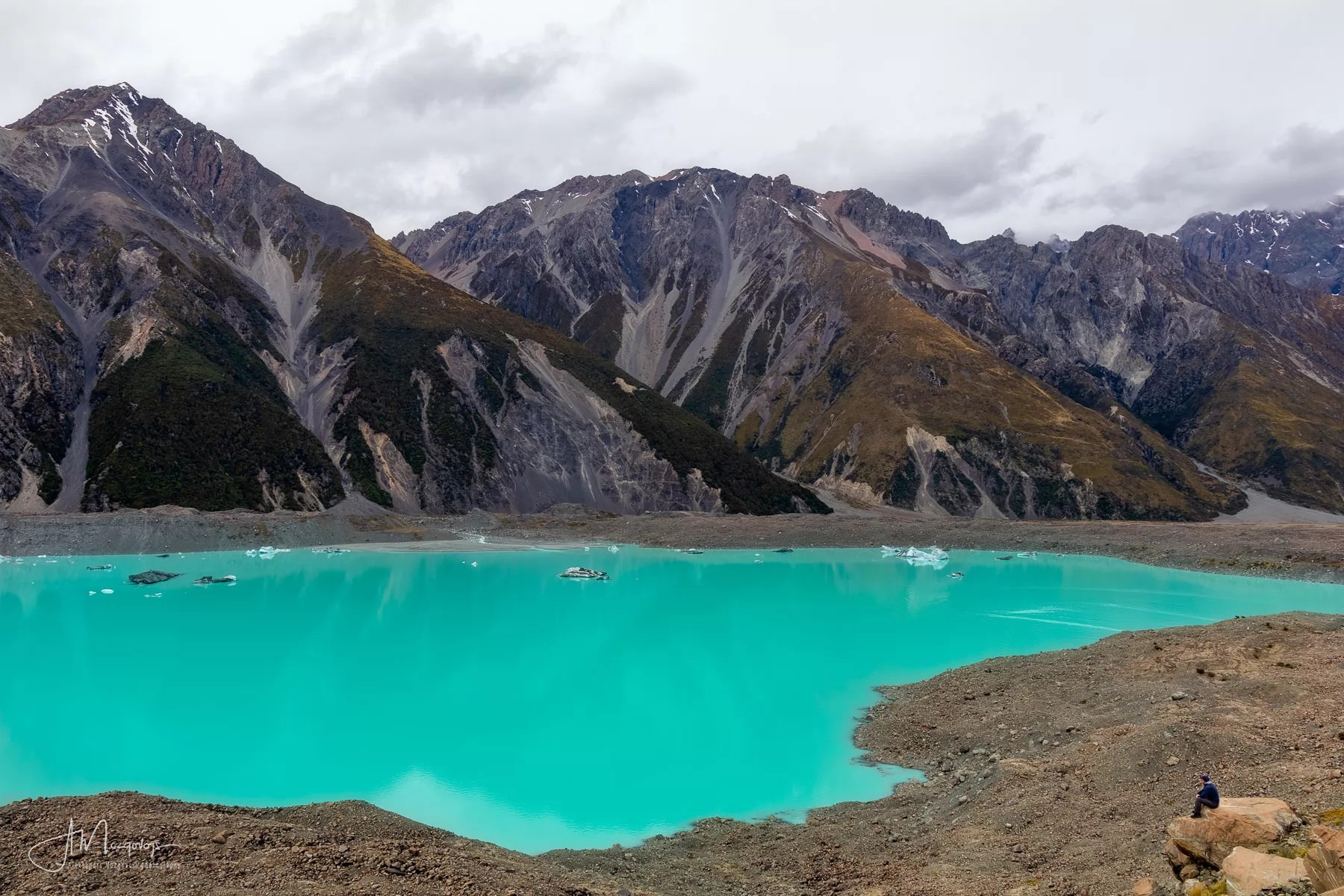 Amazing turquoise water of Tasman Lake