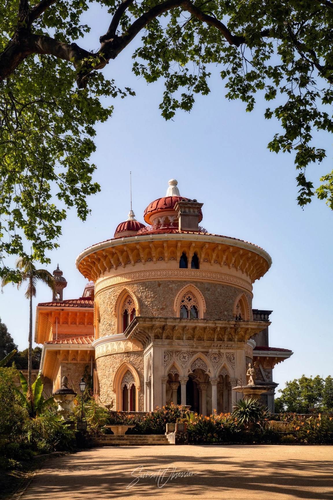 Monserrate and its gardens are a perfect photo spot for the early evening in Sintra