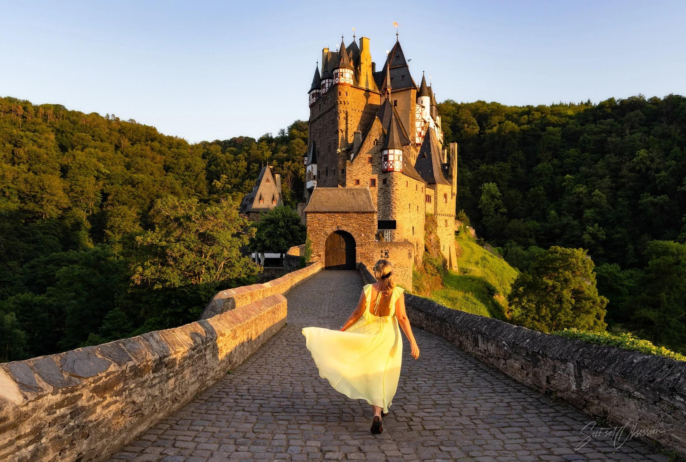 Model photography at Burg Eltz