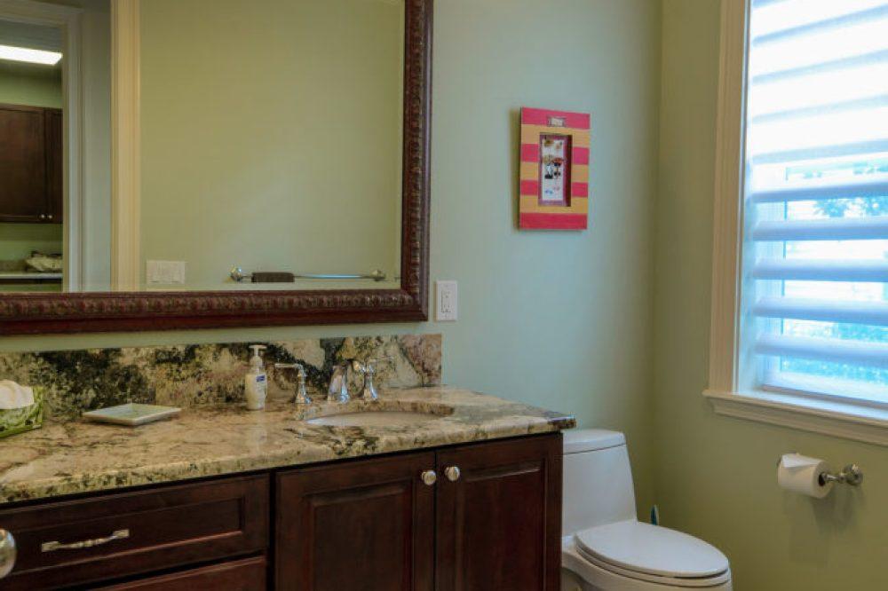 Leona#12 Bathroom_2000px
