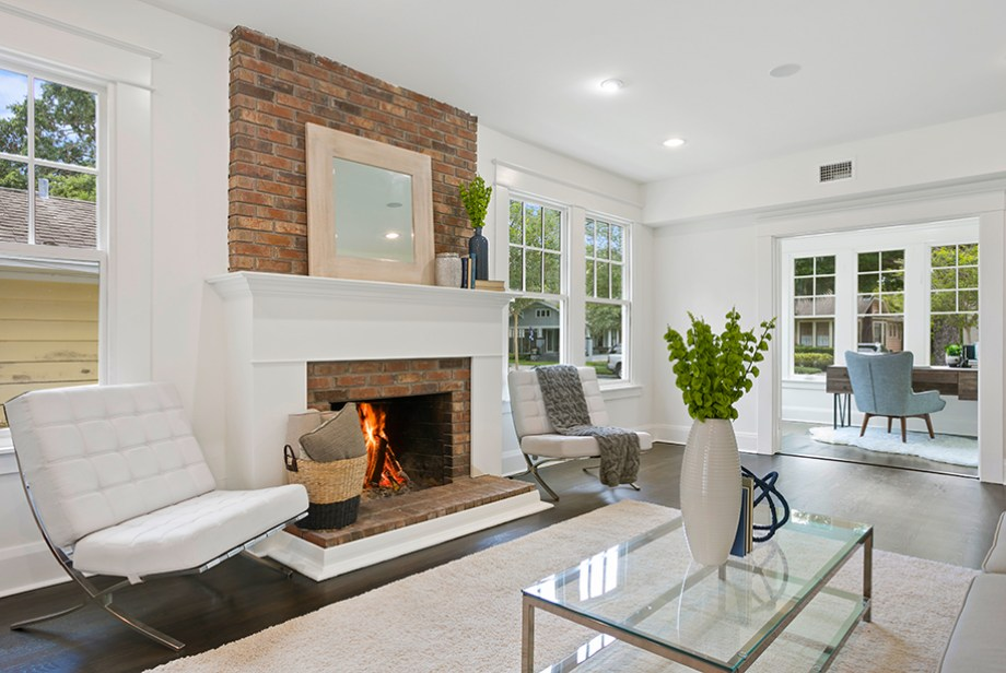 LIV-Look-back-to-front,-fireplace-&-nook-09_0E2A2554-@920