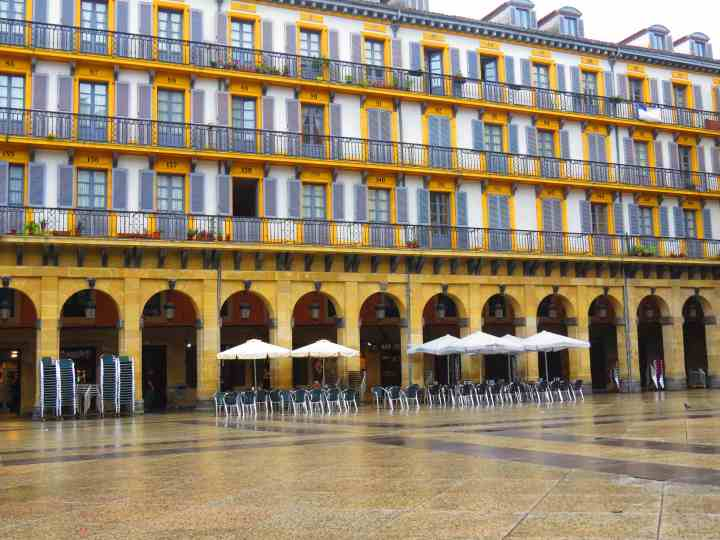 9th reason to visit San Sebastion more of the old town