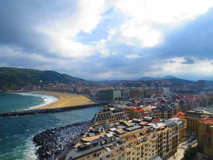 7th reason to visit San Sebastian the Surf