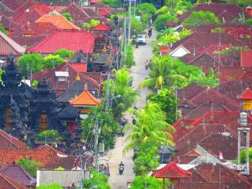 View Of the Street In Nusa Lembongan