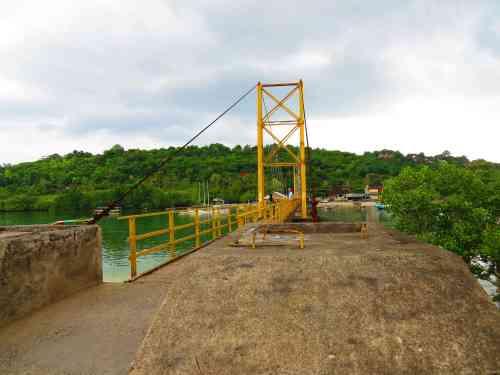 Suspension Bridge to Nusa Ceningan