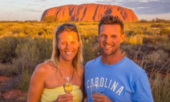 Couple travel bloggers - Ytravelblog