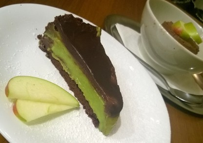 chocolate avocado mousse pie