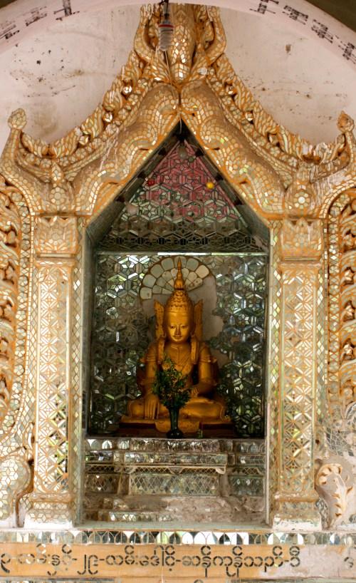 Buddha - Mandalay Hill 2