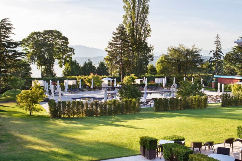 SUMMER GARDEN MOMENTS AT LA RÉSERVE GENÈVE SWITZERLAND poolside geneva