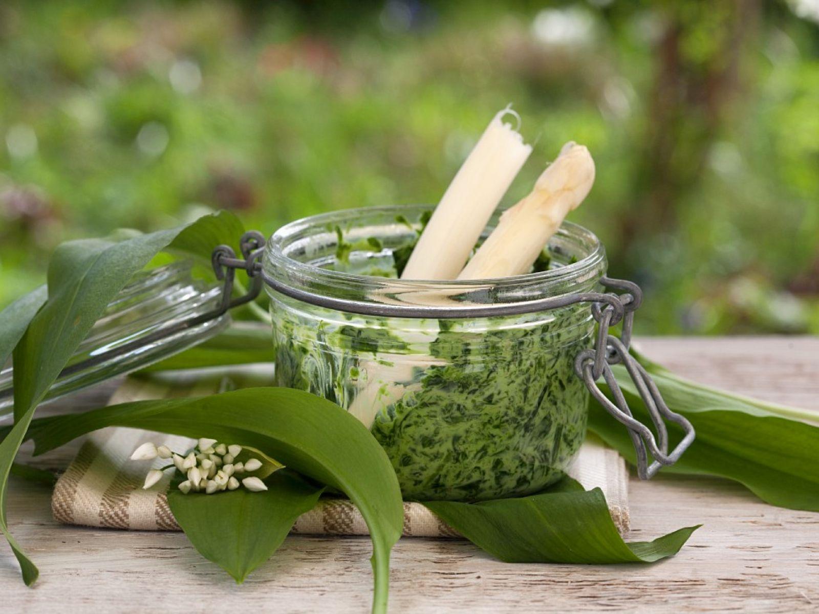 10 remedii naturiste pentru 10 probleme aparute in sarcina