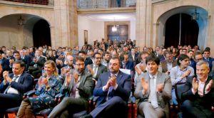 Omar Suarez entre los asistentes al Premio Patente de Asturias