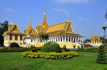 140621071355royal-palace-phnom-penh