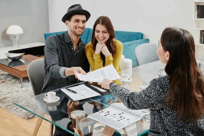 Understanding The Best Holiday Loans: Cons and Pros