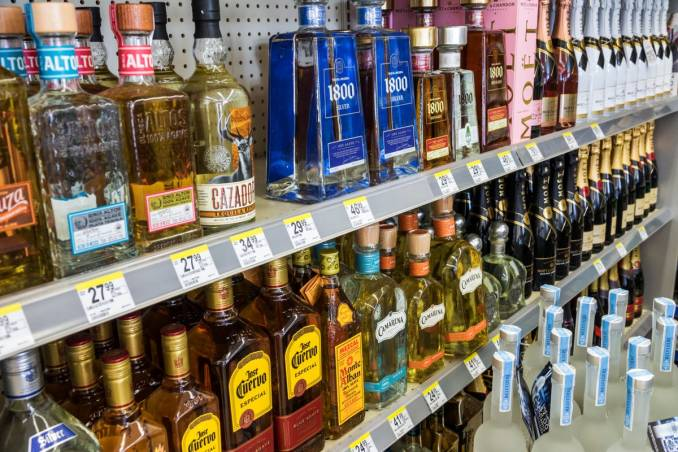 Liquor Stores Open Near Me and Best Wine Shops in the US