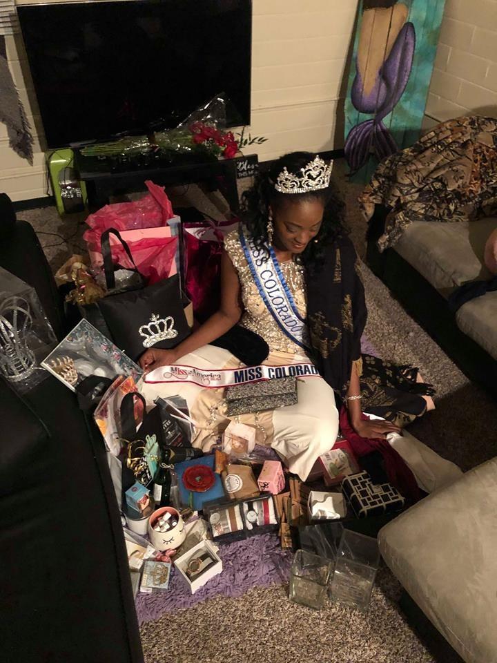 """e4f6a9c2-ad28-4560-b968-5e675a77ce41 La sénégalaise Aida Sow remporte la couronne de """"Miss Colorado"""""""