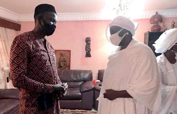 Ousmane Sonko chez Mimi Touré pour présenter ses condoléances