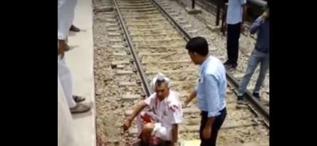 .aryana-man-feet-cut-under-train-people-making-video-instead-to-help-him