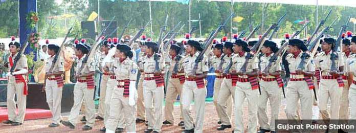 hmedabad-news/other/ips-officer-from-gujarat-misbehaved-with-woman-ips-officer
