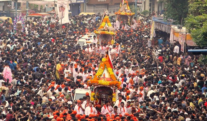 The 141st Rath Yatra of Lord Jagannath commenced this morning in the city amid tight security as lakhs of devotees flocked to the 18km route