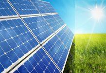 અમદાવાદ, તા.૨૩ રૂફટોપ સોલાર પ્રોજેક્ટ સ્થાપનની બાબતે દેશભરમાં ગુજરાત પ્રથમ ક્રમાંકે આવ્યું છે. તા.૨૩ જુલાઈ , ૨૦૧૯ની સ્થિતિએ ગુજરાતની કુલ રૂફટોપ સોલાર ઇન્સ્ટોલેશન કેપેસિટી ૨૬૧.૯૭ મેગા વોટ (એમડબલ્યુ)ની હતી. ભારતમાં કુલ રૂફટોપ સોલર ઇન્સ્ટોલેશન ૧,૭૦૦.૫૪ મેગાવોટ જેટલું છે. ગુજરાત પછી અનુક્રમે મહારાષ્ટ્ર ૧૯૮.૫૨ મેગા વોટ સાથે બીજા ક્રમે અને તમિલનાડુ ૧૫૧.૬૨ મેગા વોટ સાથે ત્રીજા ક્રમે આવ્યું છે. કેન્દ્રીય નવીન અને પુનઃપ્રાપ્ય ઊર્જા રાજ્યમંત્રી આર. કે. સિંહે રાજ્યસભામાં આજે ઉપરોકત માહિતી રાજયસભા સાંસદ પરિમલ નથવાણી દ્વારા પૂછાયેલા પ્રશ્નના પ્રત્યુતરમાં આપી હતી. કેન્દ્રીય મંત્રીના જવાબ મુજબ, ભારત સરકારે ગ્રીડ કનેક્ટેડ રૂફટોપ સોલાર પ્રોગ્રામ હેઠળ વર્ષ ૨૦૧૬-૧૭ માટે કુલ રૂ. ૬૭૮.૦૧ કરોડ, વર્ષ ૨૦૧૭-૧૮ માટે રૂ. ૧૬૯.૭૩ કરોડ અને વર્ષ ૨૦૧૮-૧૯ માટે રૂ.૪૪૬.૭૭ કરોડની નાણાંકીય સહાય-પ્રોત્સાહન પ્રદાન કર્યા છે. ભારત સરકારે વર્ષ ૨૦૨૨ સુધીમાં ૪૦,૦૦૦ મેગાવોટના રૂફટોપ સોલાર (આરટીએસ) પ્રોજેક્ટ્સની સ્થાપનાનો લક્ષ્યાંક નિર્ધારિત કર્યો છે, જેમાં ઘરની છત પર આર.ટી.એસ.ની સ્થાપનાનો સમાવેશ થાય છે. રાજયસભા સાંસદ પરિમલ નથવાણી આર.ટી.એસ.દ્વારા પેદા થતા વીજળીના જથ્થાને પ્રાપ્ત કરવા માટે ફાળવવામાં આવેલા ભંડોળ અને ઘરની છત પર સોલાર પેનલો સ્થાપિત કરીને વીજ ઉત્પાદન માટે સરકાર દ્વારા નિર્ધારિત કરાયેલા લક્ષ્ય વિશે જાણવા માંગતા હતા. જેના પ્રત્યુતરમાં કેન્દ્રીય મંત્રીએ જણાવ્યું હતું કે, ગુજરાતમાં થયેલા ૨૬૧.૯૭ મેગા વોટના ઈન્સ્ટોલેશનમાંથી ૧૮૩.૫૧ મેગા વોટ સબસિડીયુક્ત ઇન્સ્ટોલેશન્સ છે અને ૭૮.૪૫ મેગા વોટ સબસિડી રહિત ઇન્સ્ટોલેશન્સ છે. મંત્રીએ જવાબમાં સ્પષ્ટ કર્યું હતુ કે, ઘરની છત પર સ્થાપિત સોલાર પેનલ દ્વારા પેદા થતી ઉર્જાના જથ્થાના મૂલ્યાંકન માટે કોઈ ઔપચારિક અભ્યાસ કરવામાં આવ્યો નથી.