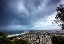 દરમિયાન 2 અને 3 જાન્યુઆરીના રોજ બનાસકાંઠા અને સાબરકાંઠા જિલ્લાના છુટાછવાયા વિસ્તારોમાં હળવા કમોસમી વરસાદની હવામાન વિભાગે આગાહી કરી છે.