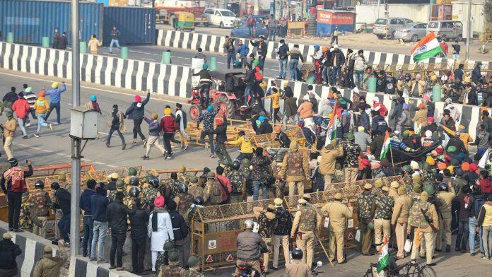 દિલ્હીમાં દાખલ થવા માટે સિંધુ, ટીકરી અને ગાઝીપુર એન્ટ્રી પોઈન્ટ બનાવવામાં આવ્યા હતા