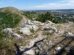 az Odvas-hegy és Budaörs az Út-hegyről