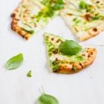 99 senttiä per kilo – pizza bianca kesäkurpitsalla ja pestolla