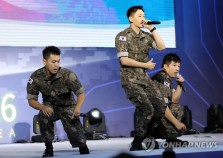 160910-official-defense-expo-korea-homecoming-day-with-shindong-sungmin-eunhyuk8