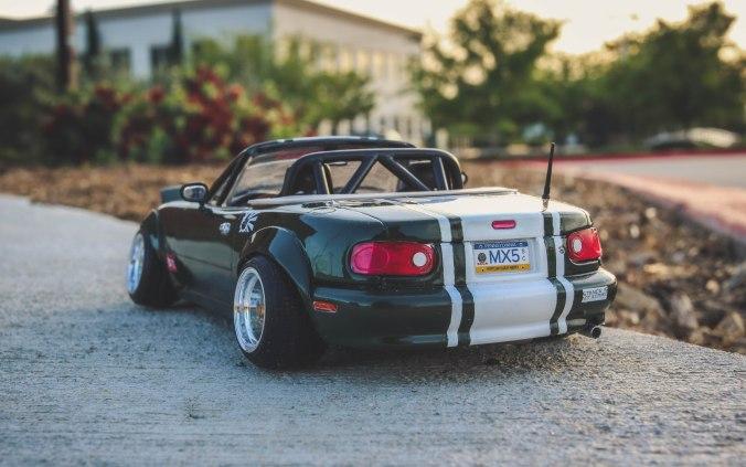 Revell '92 Mazda Miata MX-5 – Supar Robo