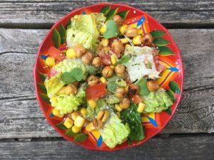 Salade romaine au maïs et pois chiche croquants de Super Boîte à Lunch