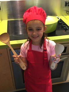 Loulou aime cuisiner pour Super Boîte à Lunch