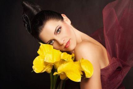 32 - Makeup, vlasy - Ľudmila Piptová, foto - Lucia Humer, model Katarína Šimurková 31
