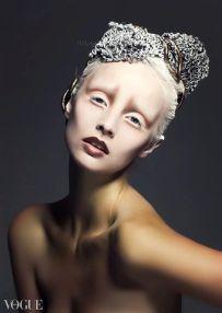 36 - VOUGE Italy 2 Make-up a účes - Ľudmila Piptová, foto - Petr Lukeš, modelka - Eliška