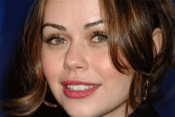 ALEXIS DZIENA NET WORTH, AGE , FACEBOOK, SHE'S TOO YOUNG