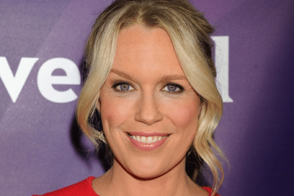 Jessica St. Clair Net Worth, Bio, Cancer, Husband, Imdb