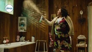 """2017 Febreze Super Bowl 51 (LI) TV Commercial """"Bathroom Break"""""""