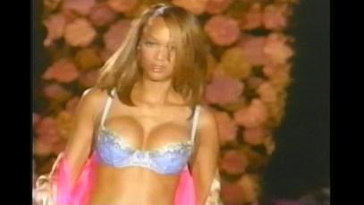 1999_Victorias_Secret_Fashion_Show